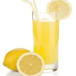Jugo de limón rápido para tomar ahora